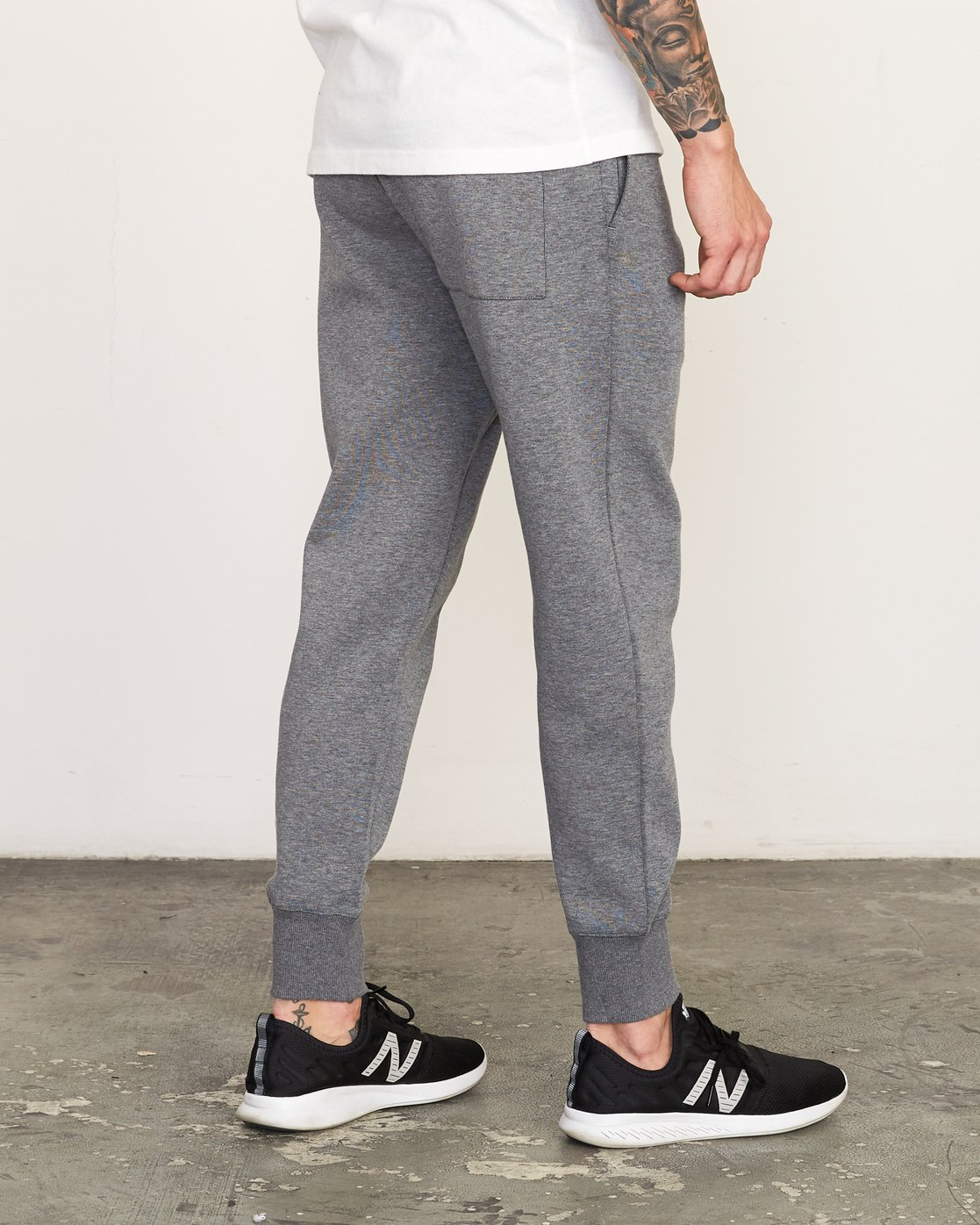 6 Sideline Sweatpant Grey V304TRSP RVCA