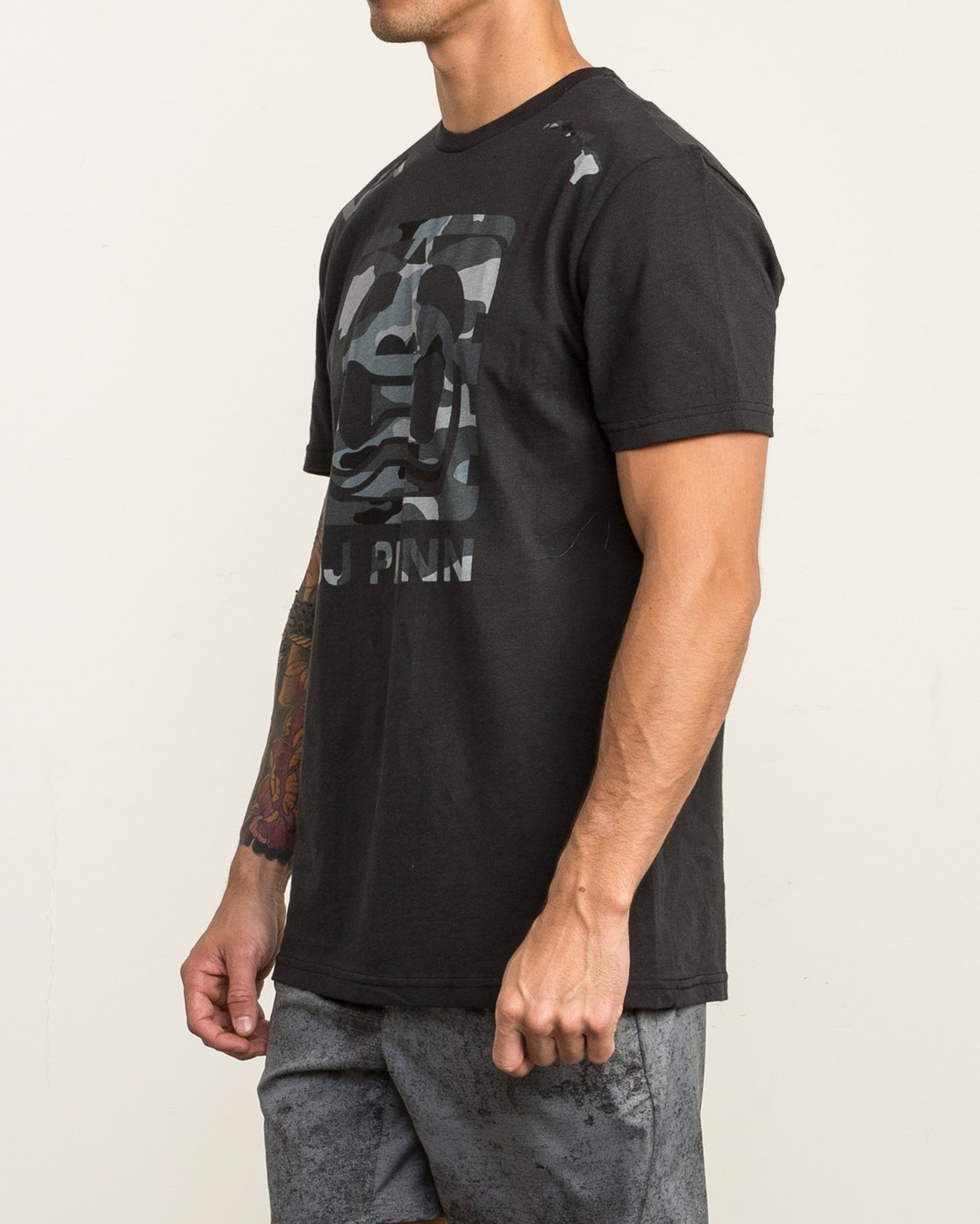 2 All Penn T-Shirt  V402SRAL RVCA