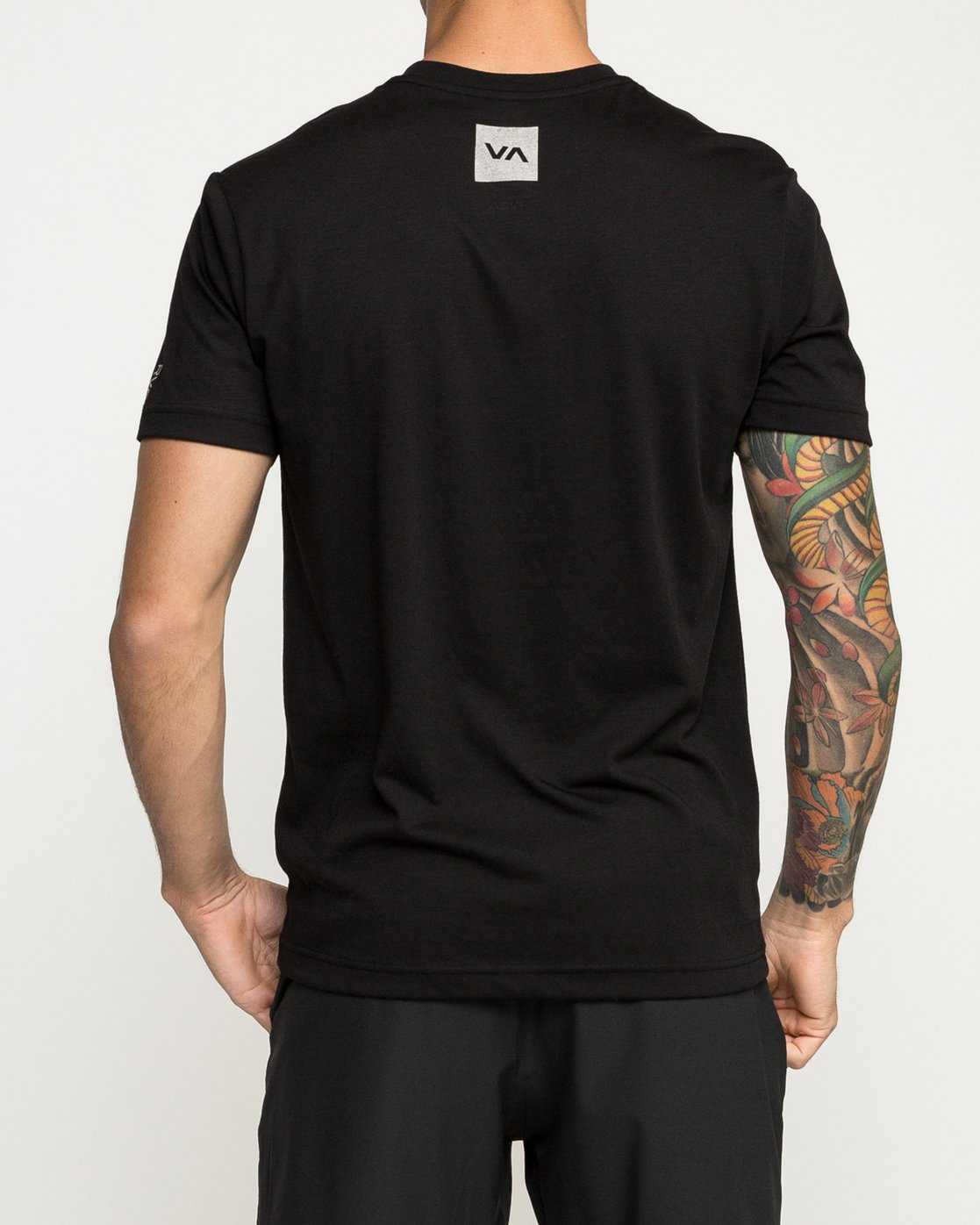 3 VA Corners Performance T-Shirt Black V404TRVA RVCA