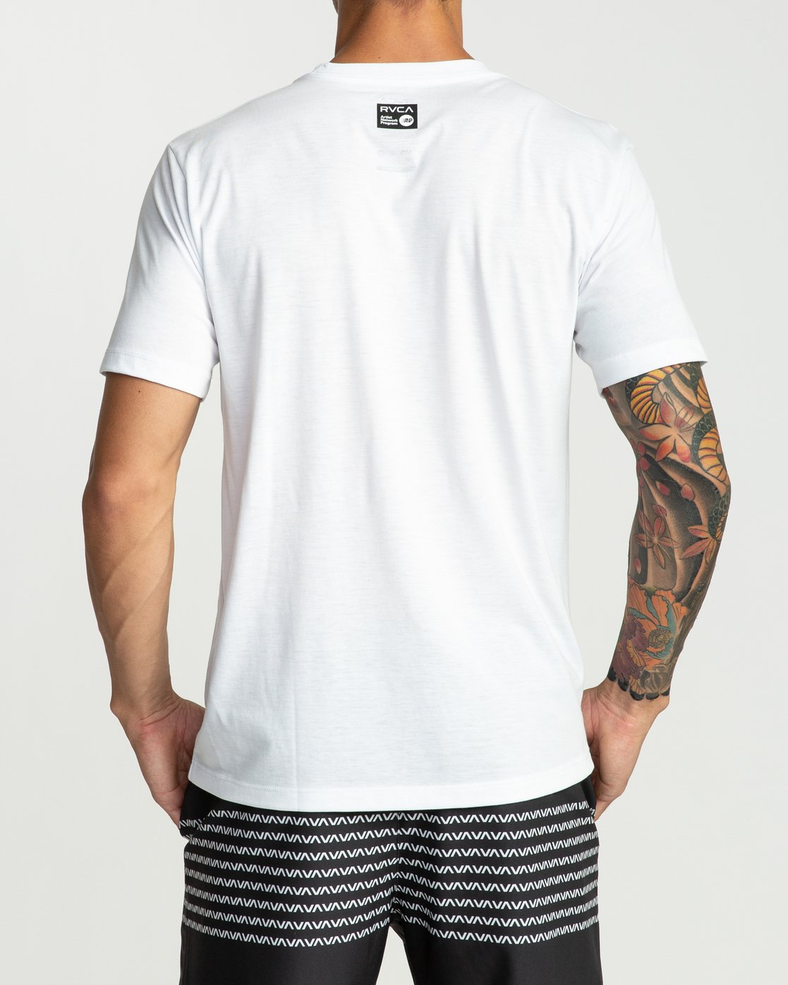 4 Defer All The Way Performance T-Shirt White V404URDE RVCA