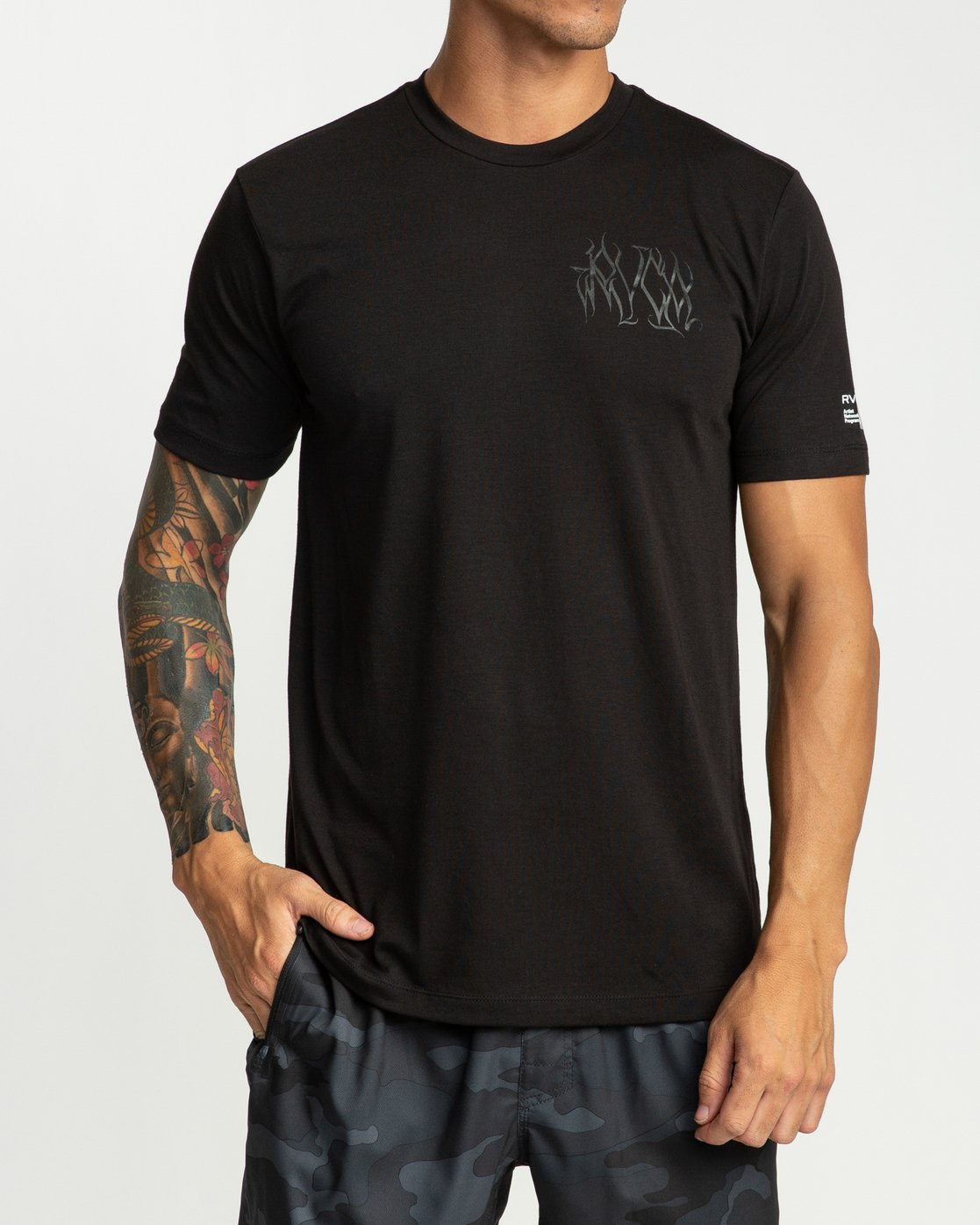 2 Defer Chest Performance T-Shirt Black V404UREF RVCA
