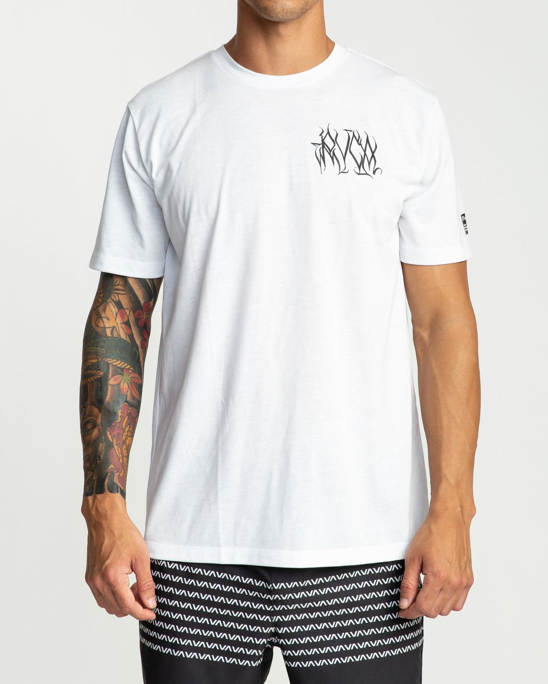 2 Defer Chest Performance T-Shirt White V404UREF RVCA