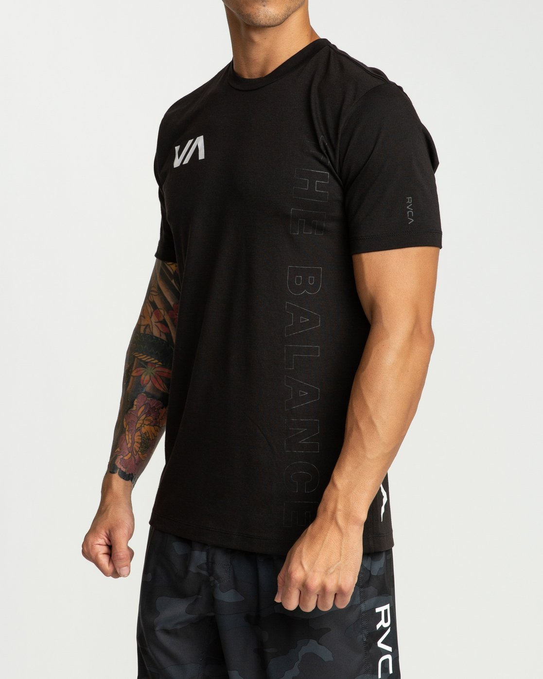 3 Pin Down Performance T-Shirt Black V404URPD RVCA