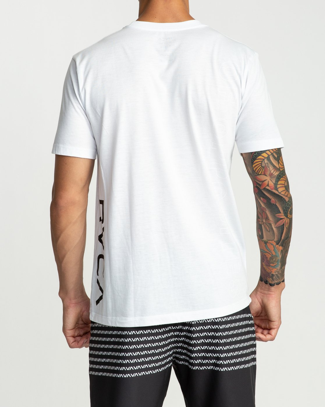 5 Pin Down Performance T-Shirt White V404URPD RVCA