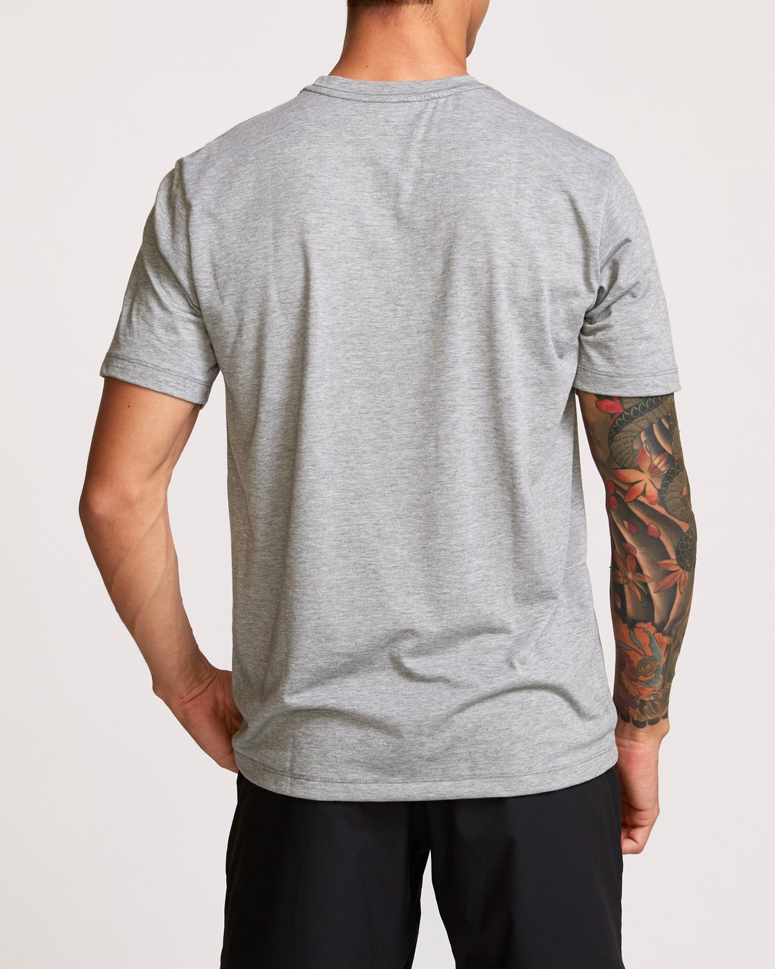 3 Brand Over Balance TEE Grey V404VRBR RVCA