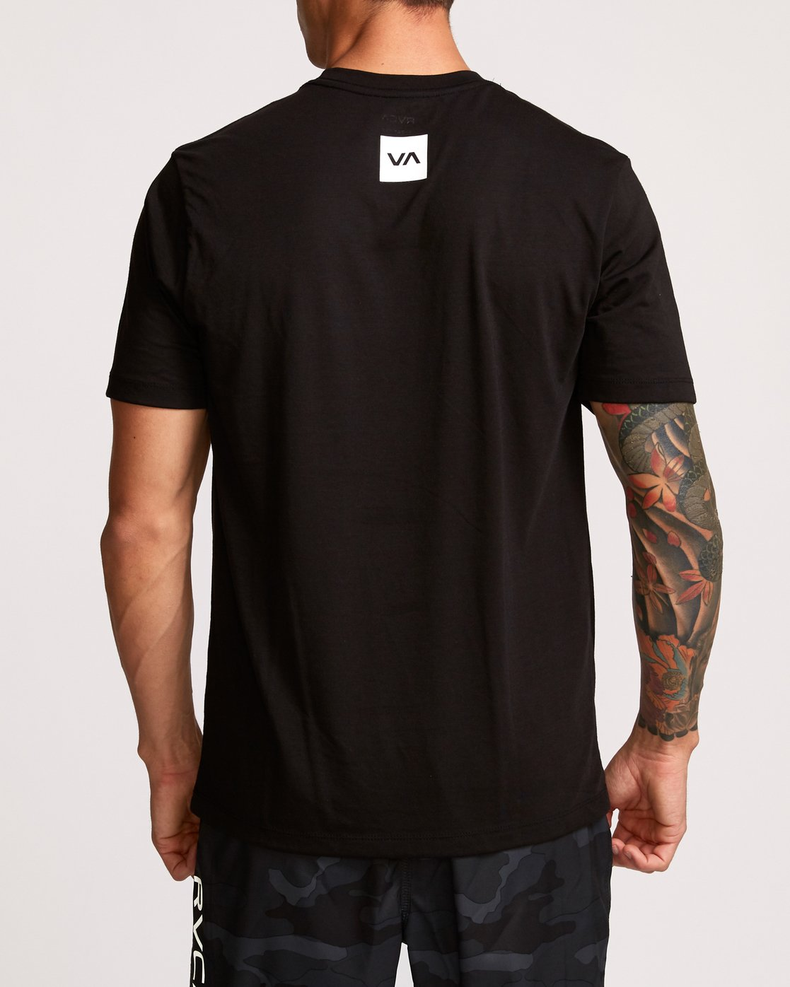 4 RVCA Club T-Shirt Black V404VRCL RVCA