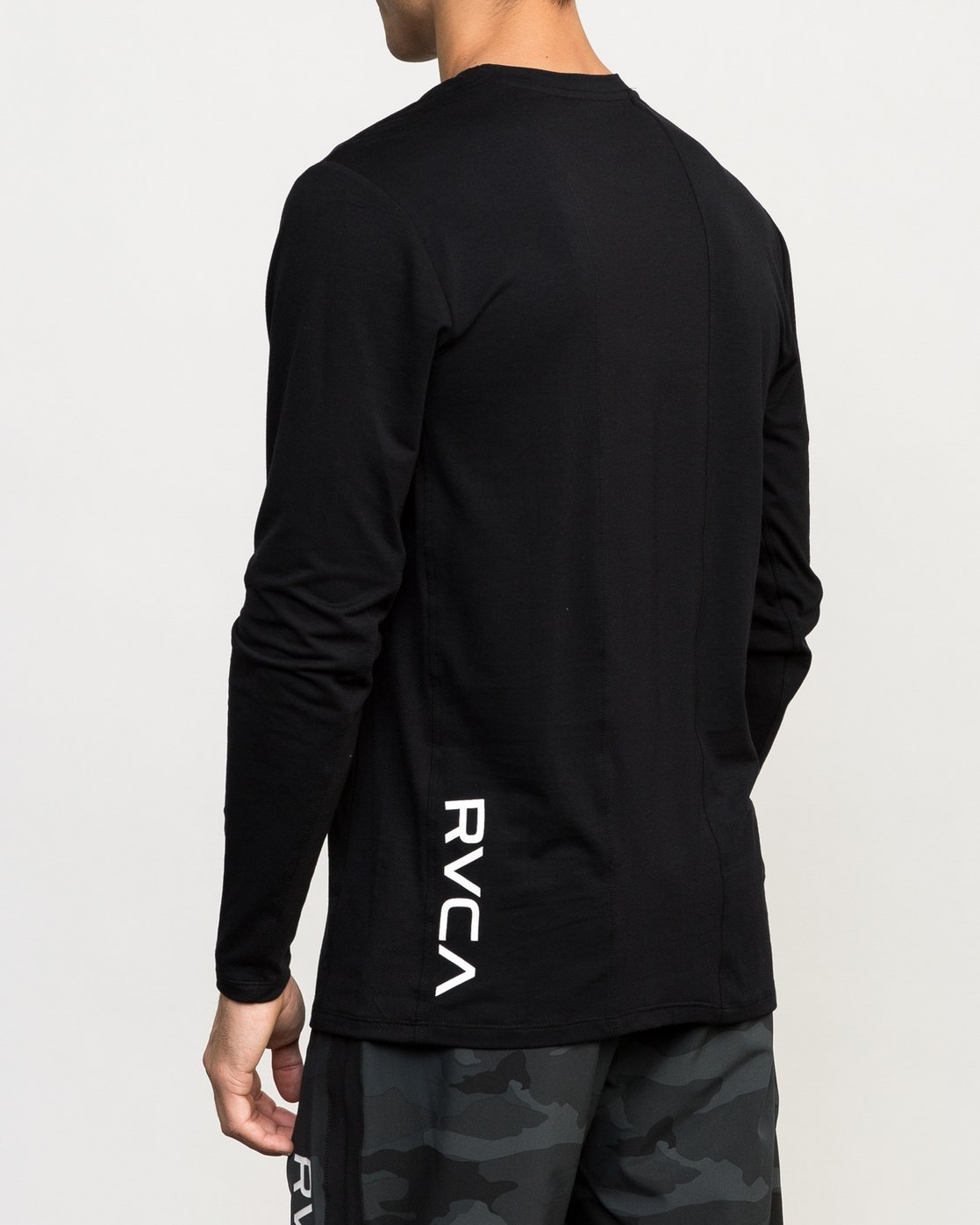 3 VA Vent Long Sleeve Top Black V903QRVL RVCA