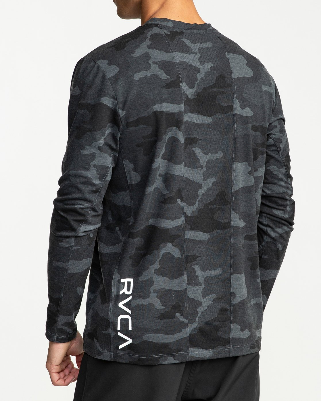 4 VA Vent Long Sleeve Top Camo V903QRVL RVCA