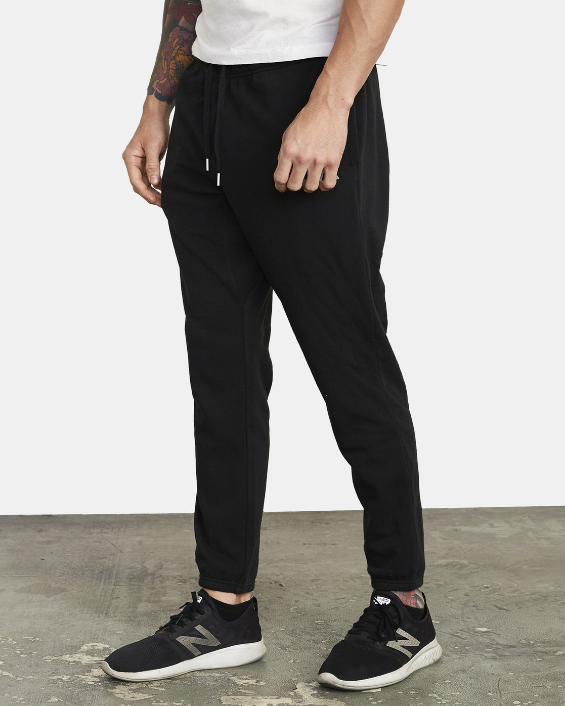 3 SWIFT SWEATPANT Black VJ301SWT RVCA