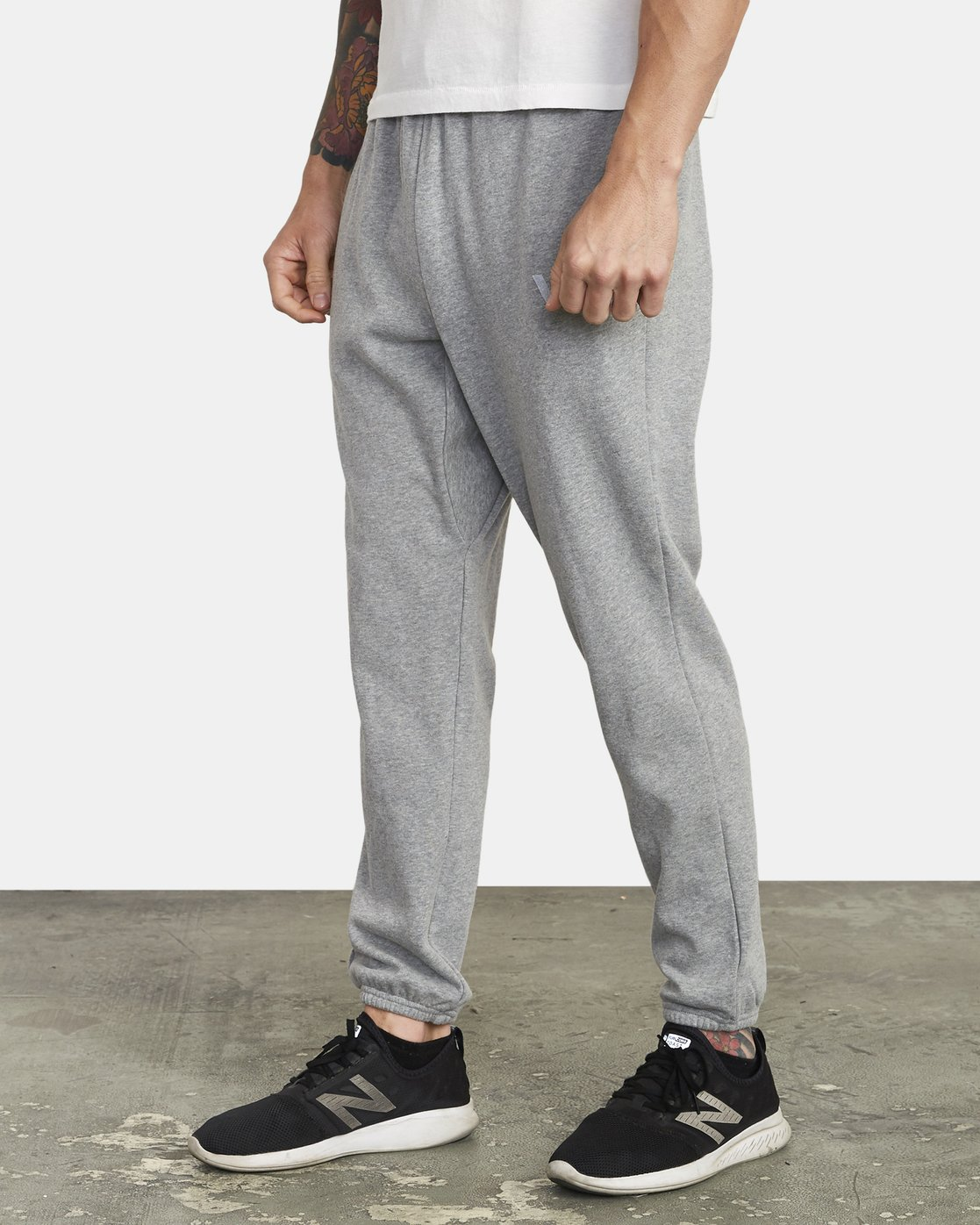 3 SWIFT SWEATPANT Grey VJ301SWT RVCA