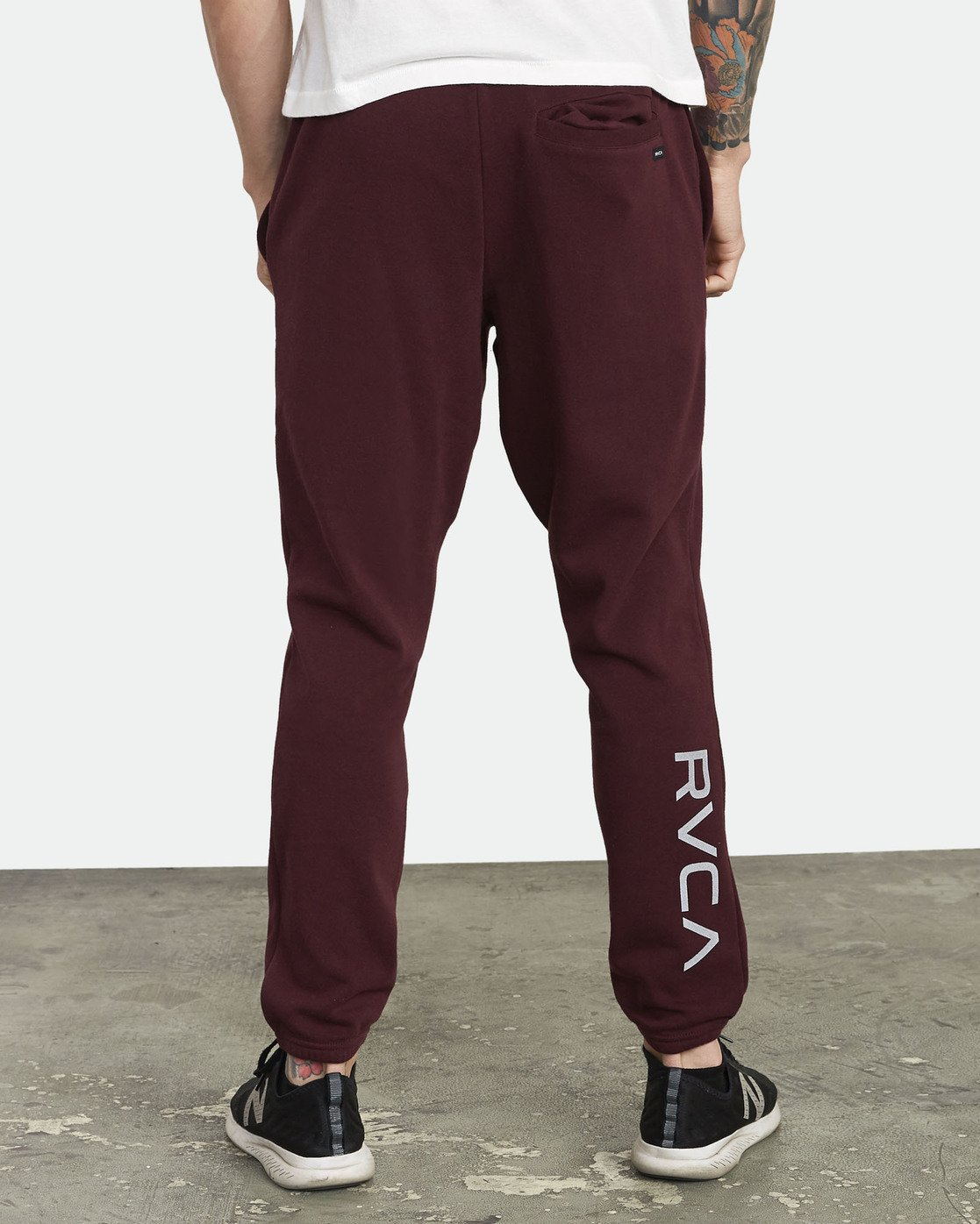 4 Swift Sweatpant Purple VJ301SWT RVCA