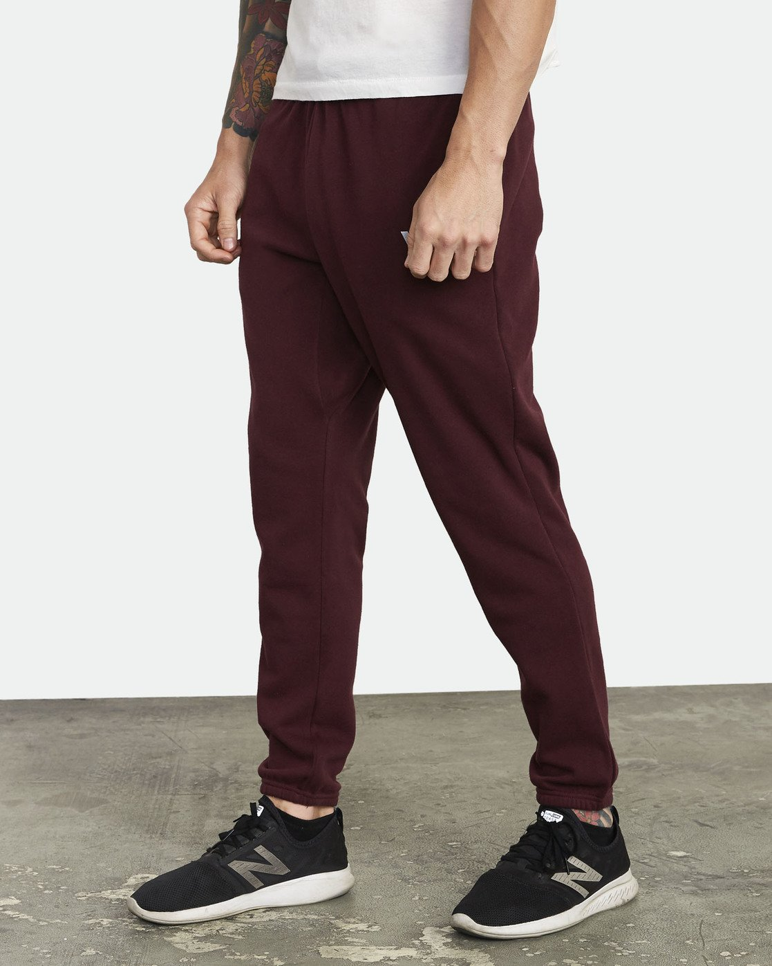 2 Swift Sweatpant Pink VJ301SWT RVCA