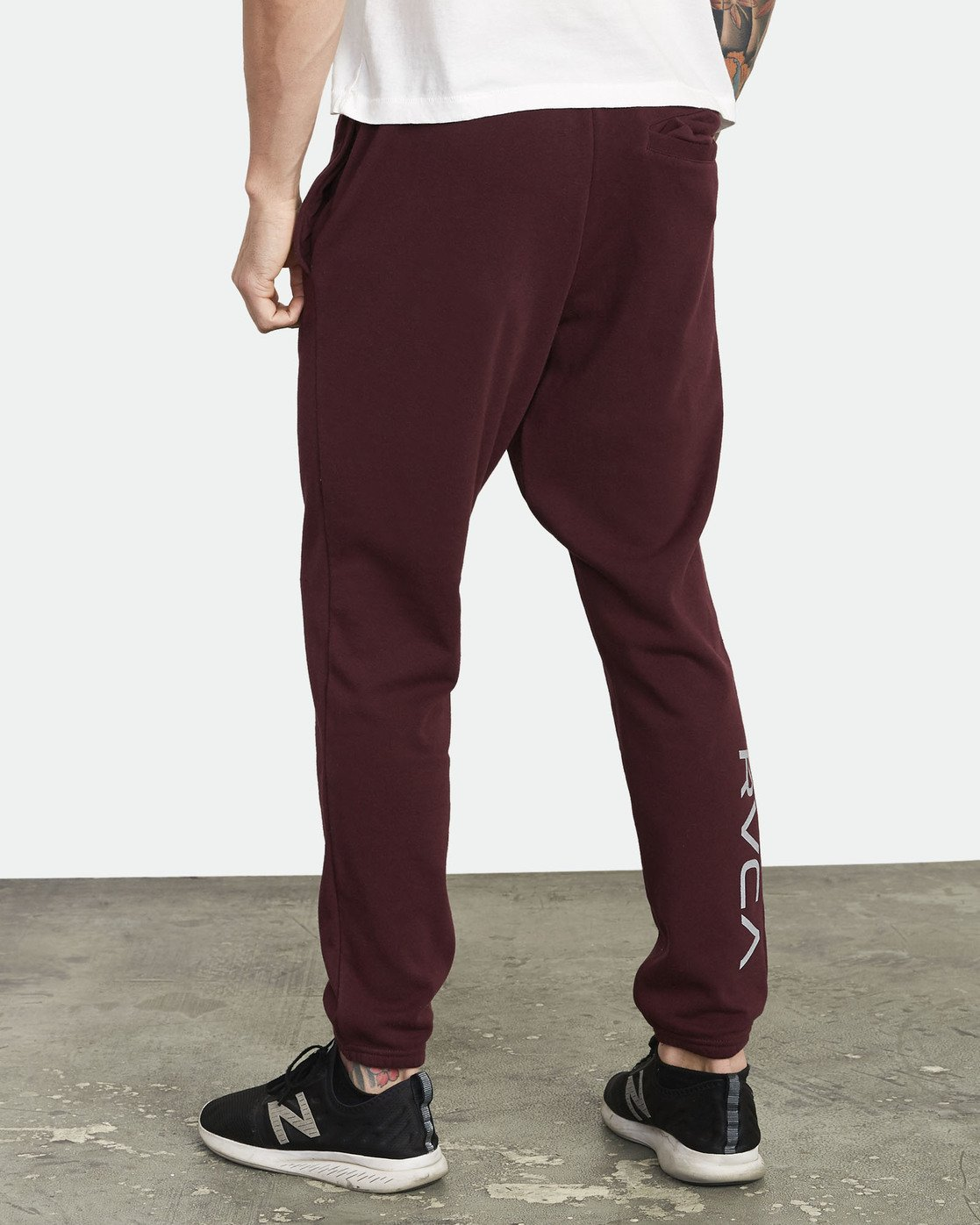 3 Swift Sweatpant Pink VJ301SWT RVCA