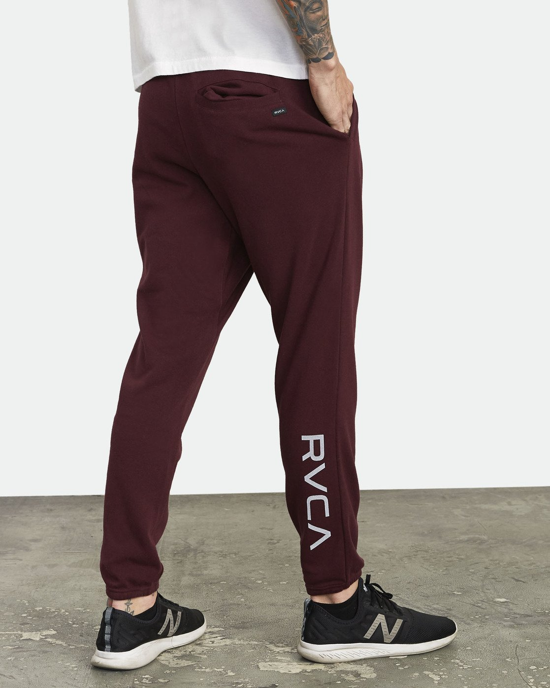 5 Swift Sweatpant Purple VJ301SWT RVCA