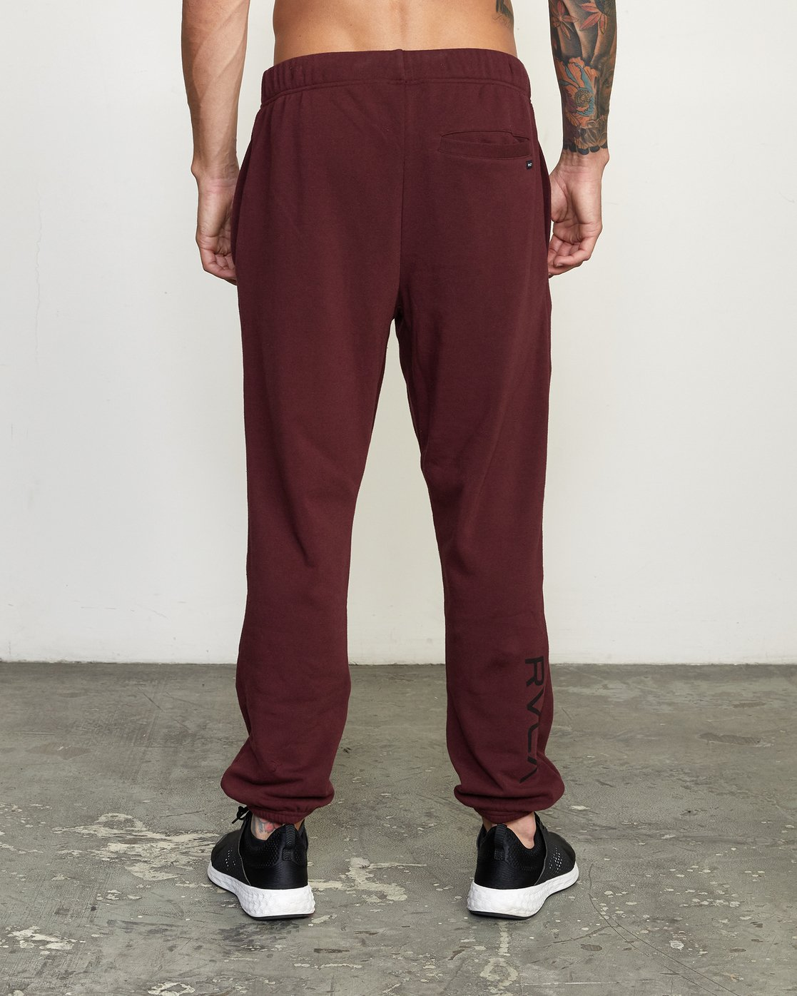 3 SWIFT SWEATPANT White VJ301SWT RVCA
