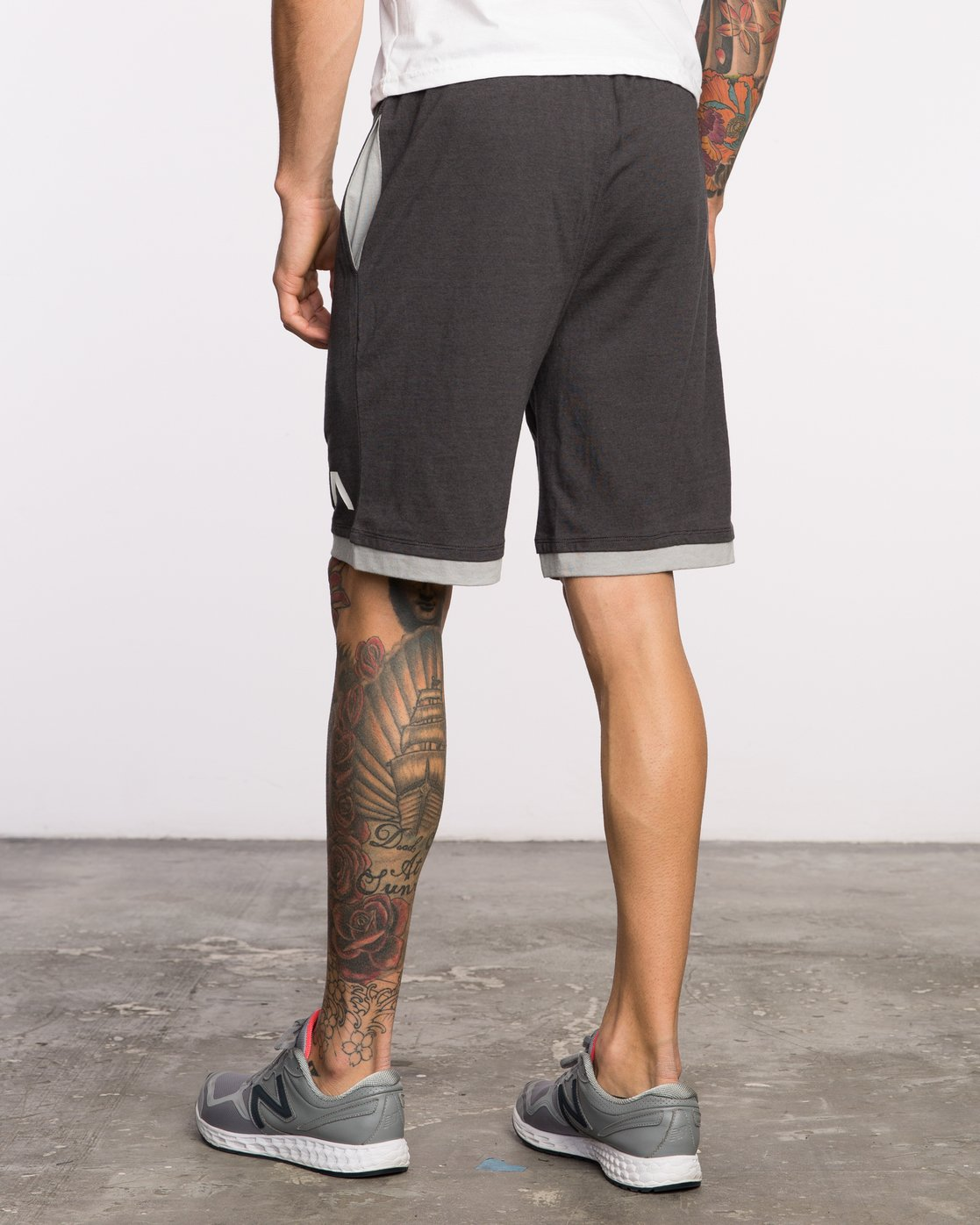 "3 Layers II 19"" Short Black VL205LRS RVCA"