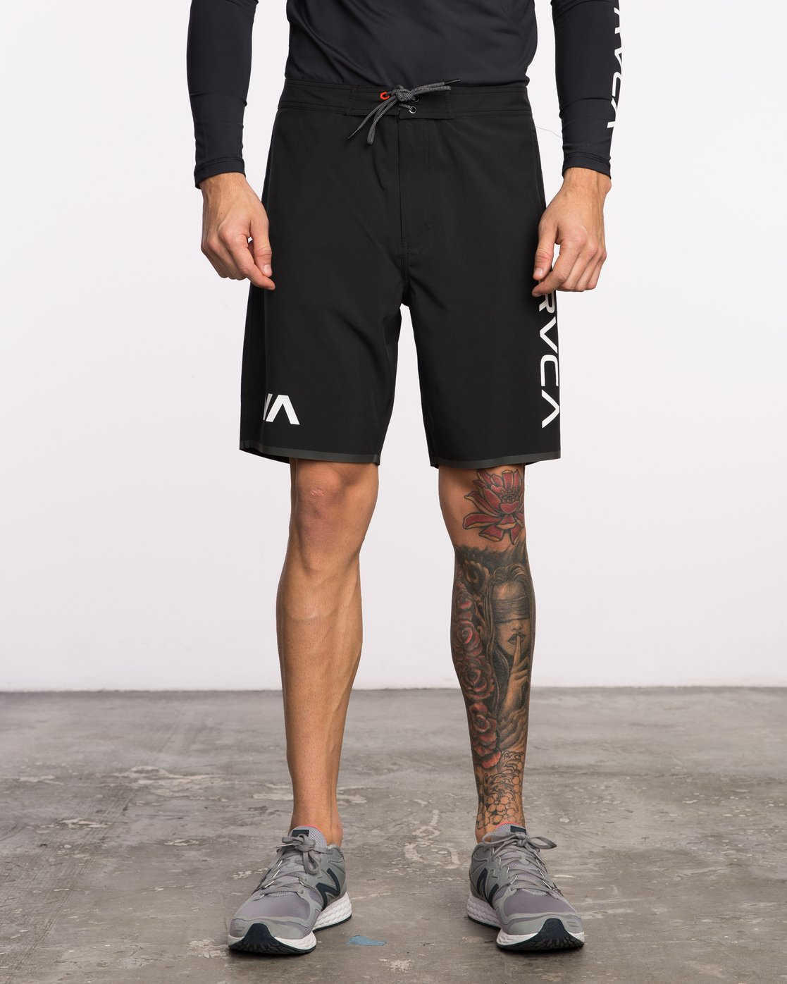1 Staff III Dual Layer Short Black VL206STF RVCA