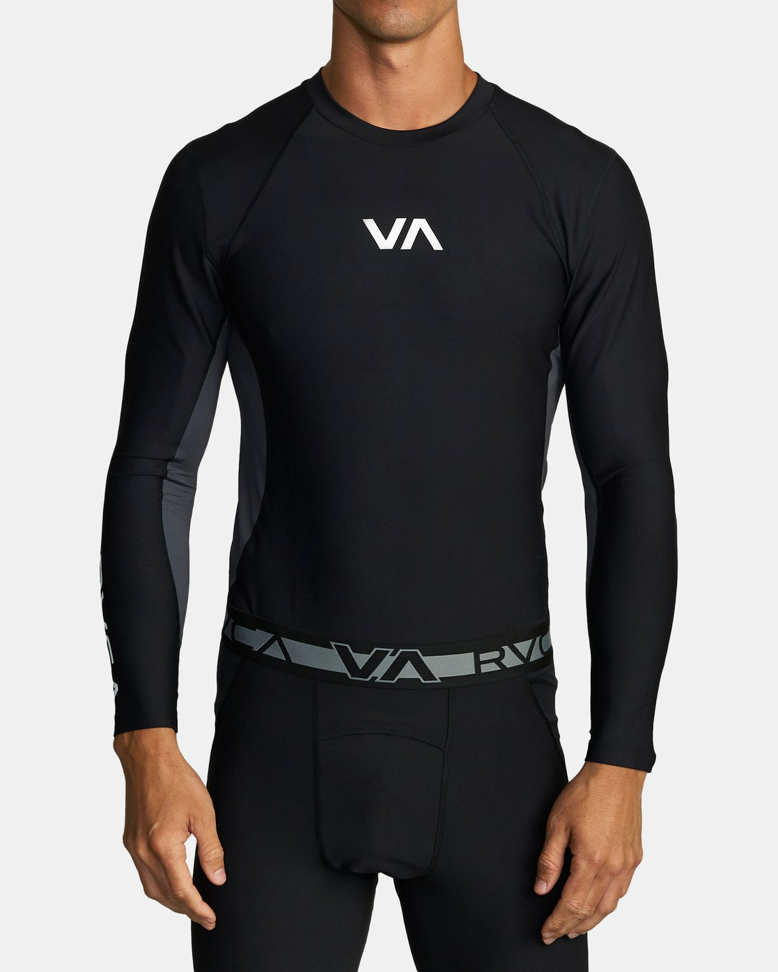 1 COMPRESSION LONG SLEEVE TOP Black VR011RCL RVCA