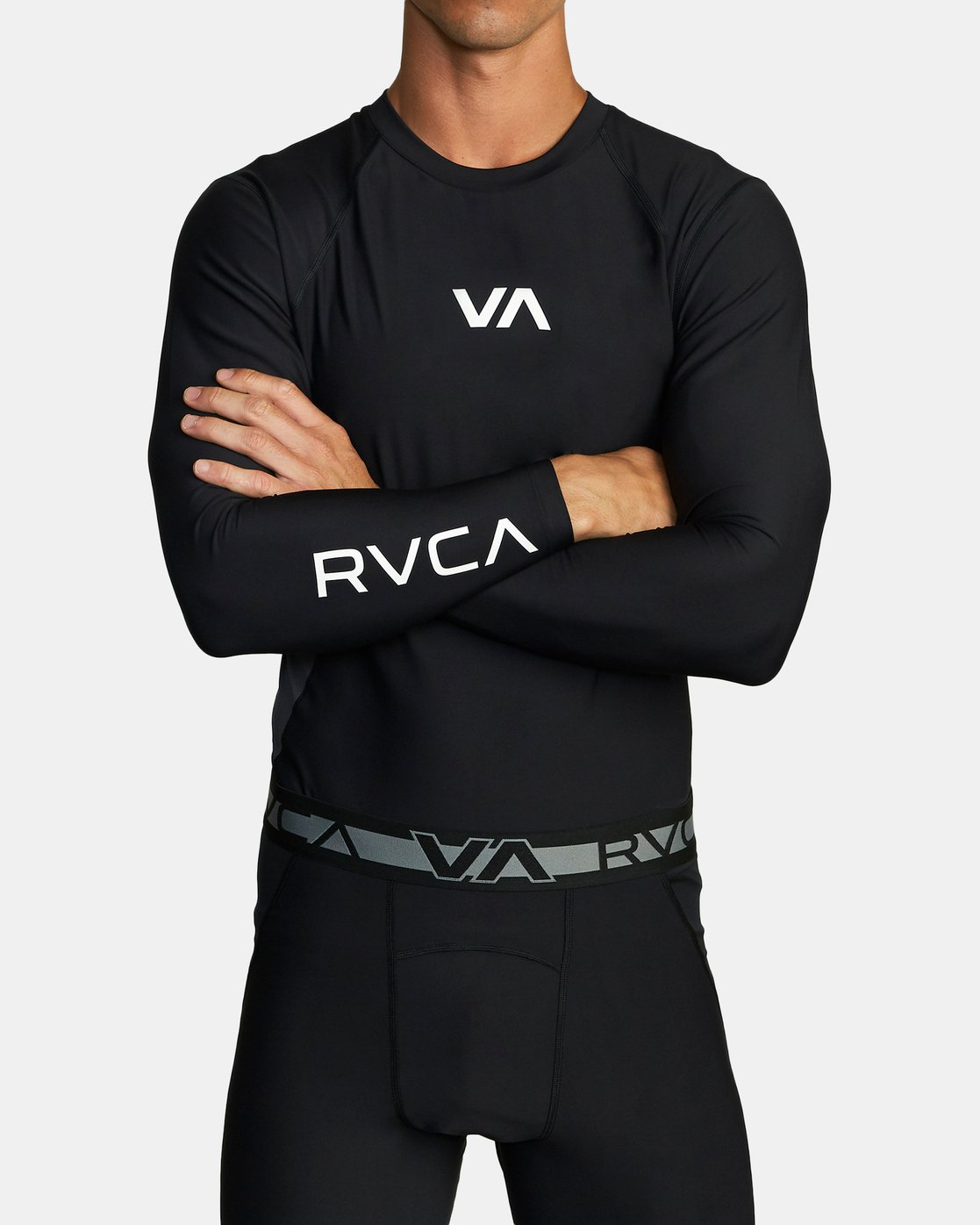 3 COMPRESSION LONG SLEEVE TOP Black VR011RCL RVCA