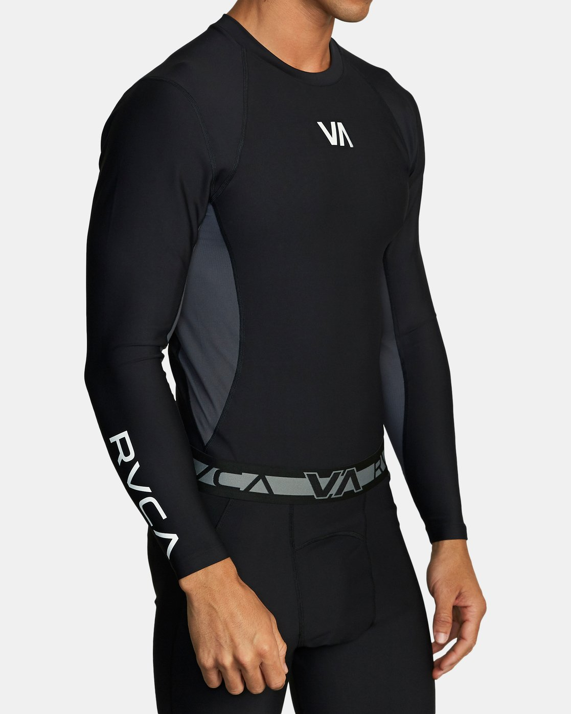 4 COMPRESSION LONG SLEEVE TOP Black VR011RCL RVCA