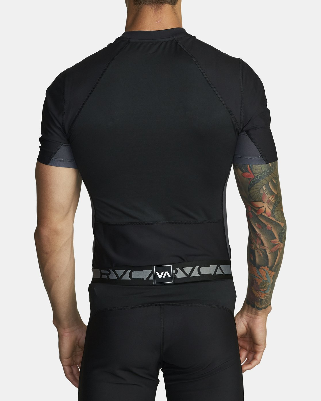 4 COMPRESSION SHORT SLEEVE TOP Black VR021RCS RVCA