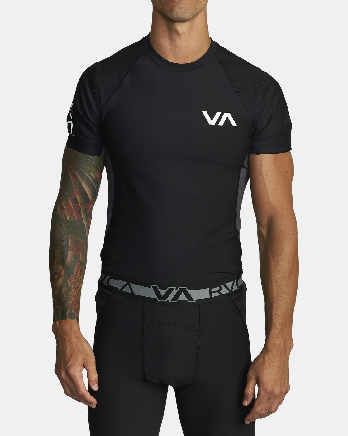 1 COMPRESSION SHORT SLEEVE TOP Black VR021RCS RVCA
