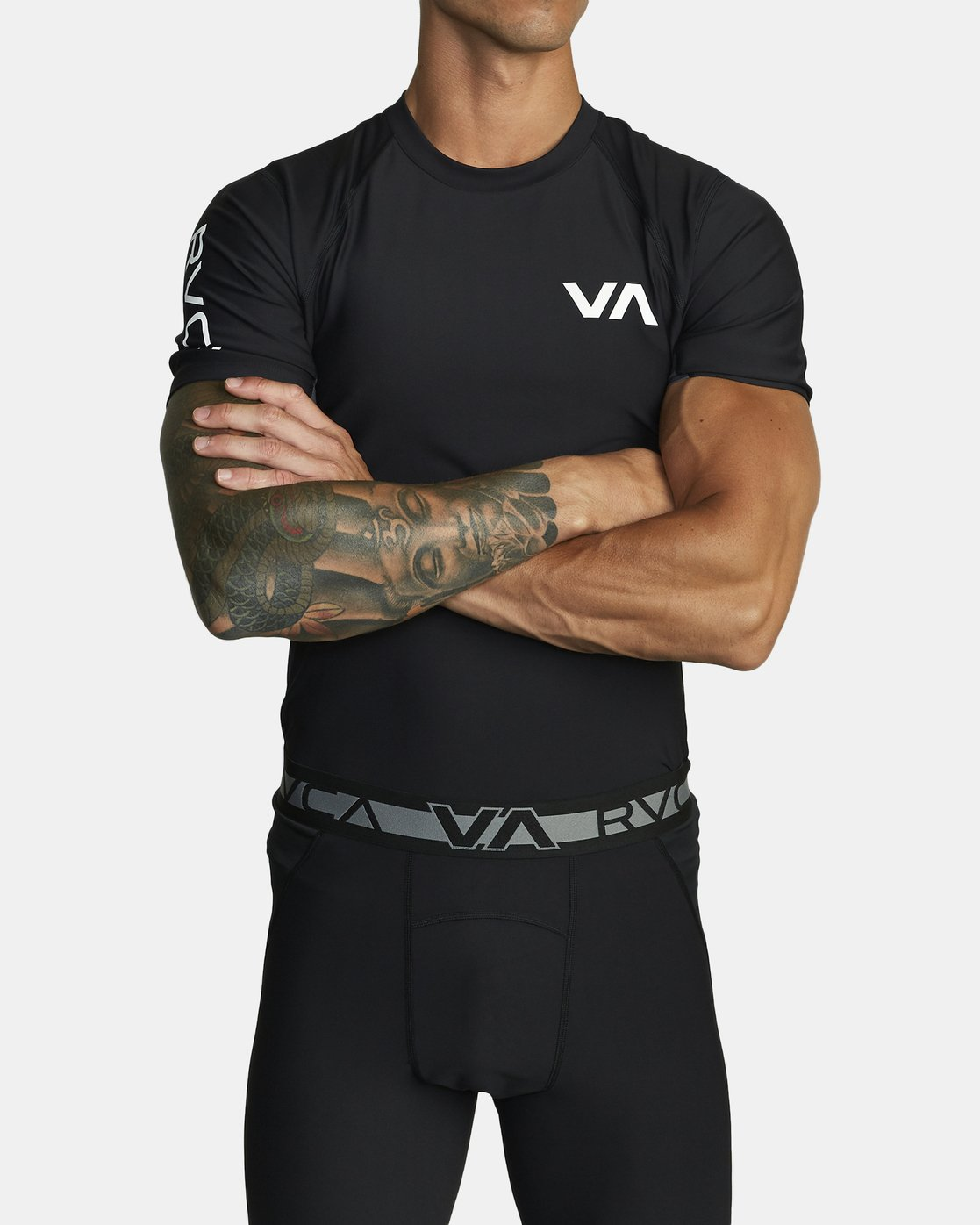 2 COMPRESSION SHORT SLEEVE TOP Black VR021RCS RVCA