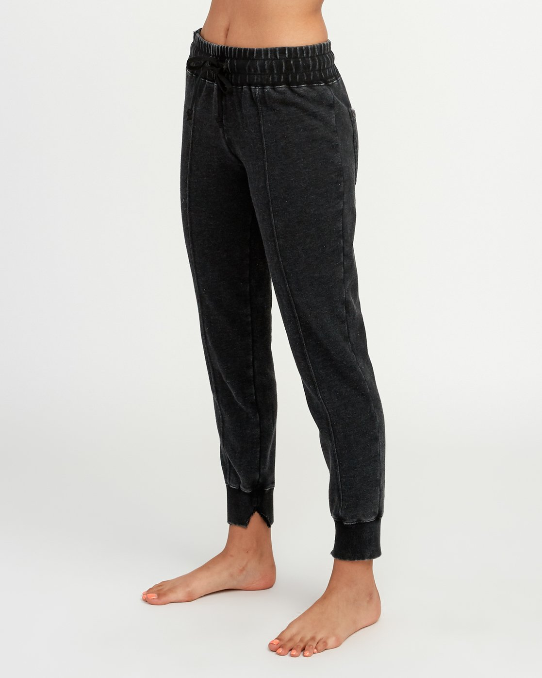 2 Faint Fleece Sweat Pant Black W301QRFA RVCA