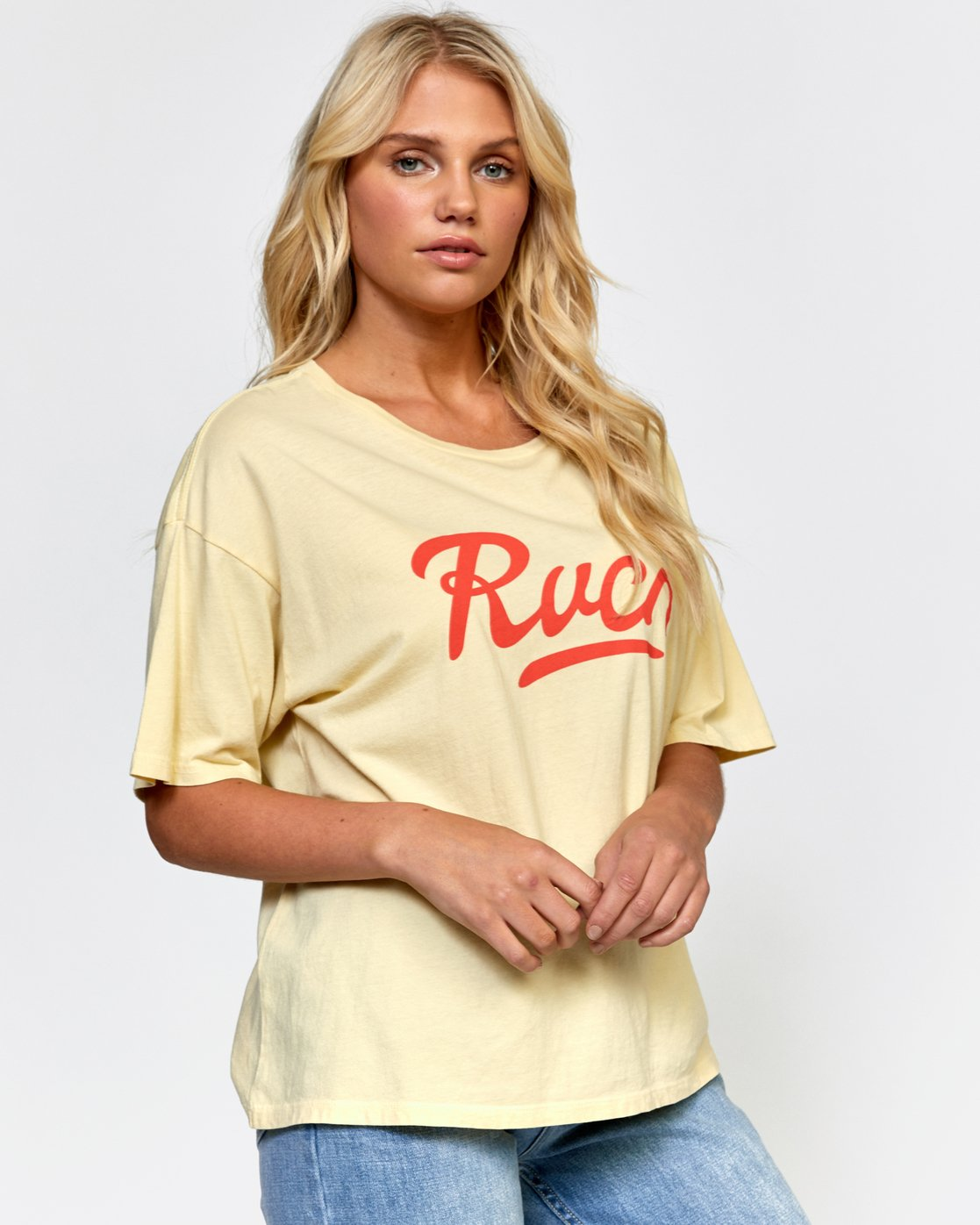 3 FRIDAY BOYFRIEND TEE  W4072RFY RVCA