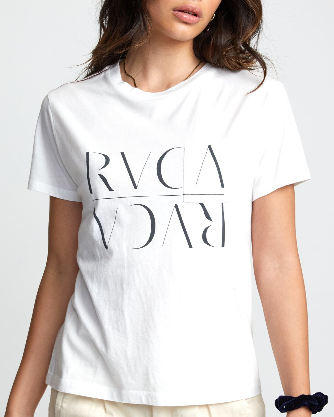 2 UNDER OVER TEE White W4103RUO RVCA