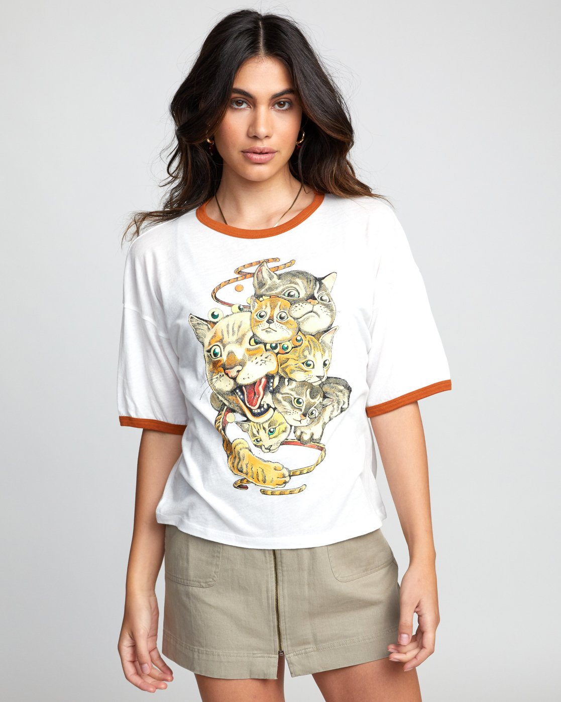 0 SHINTARO CATS TEE White W4143RSC RVCA