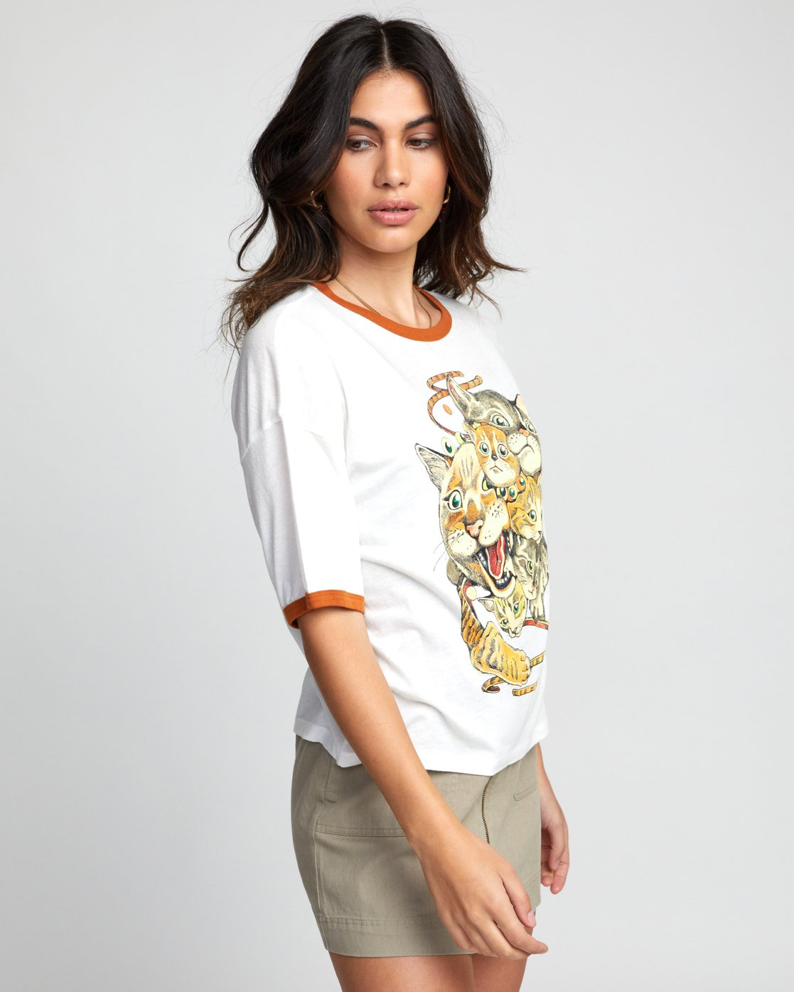 3 SHINTARO CATS TEE White W4143RSC RVCA