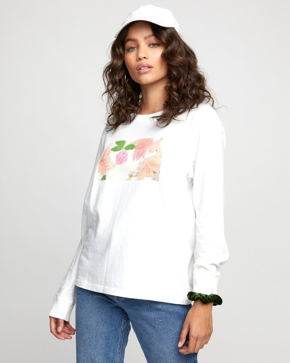 3 FLORA LONG SLEEVE T-SHIRT White W4523RFL RVCA