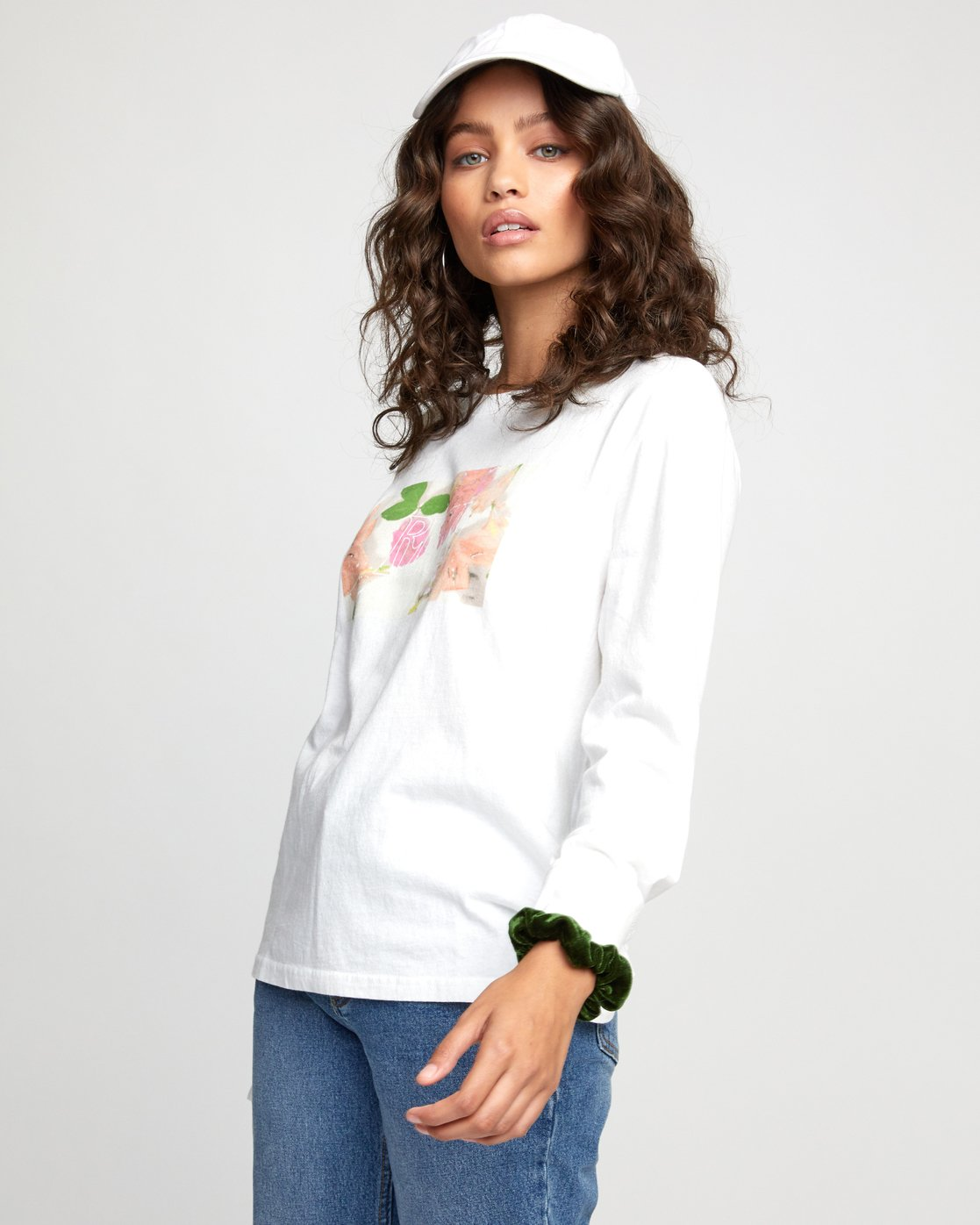 4 FLORA LONG SLEEVE T-SHIRT White W4523RFL RVCA