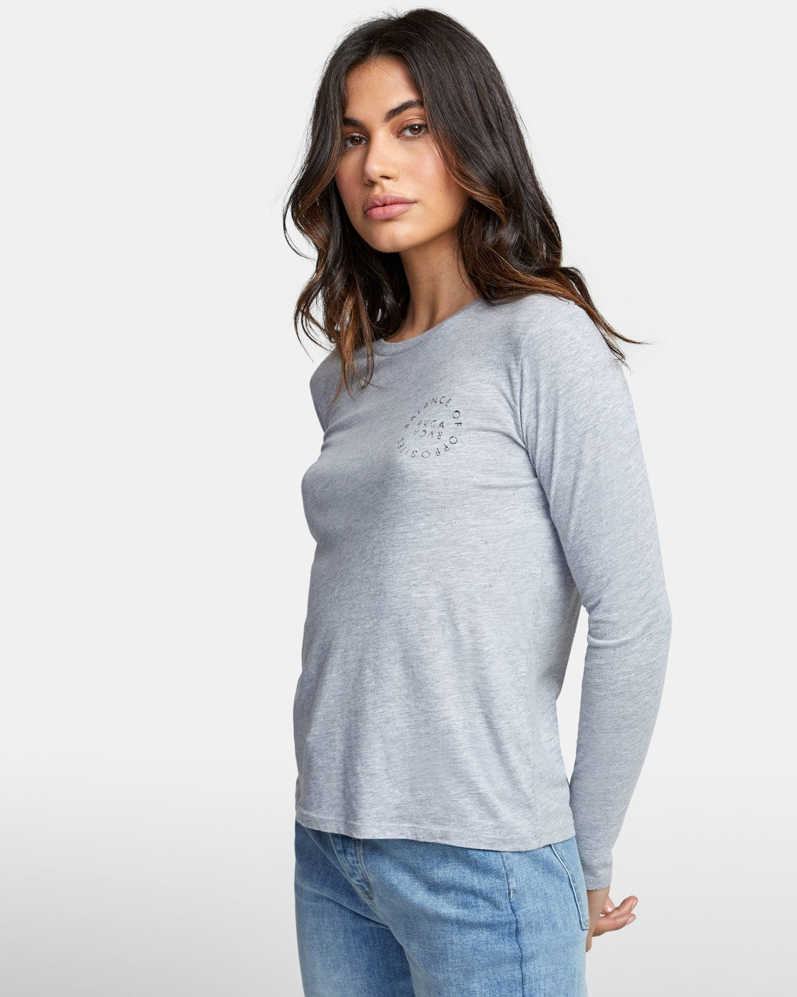 3 VA CIRCLE LONG SLEEVE T-SHIRT  W4681RVC RVCA
