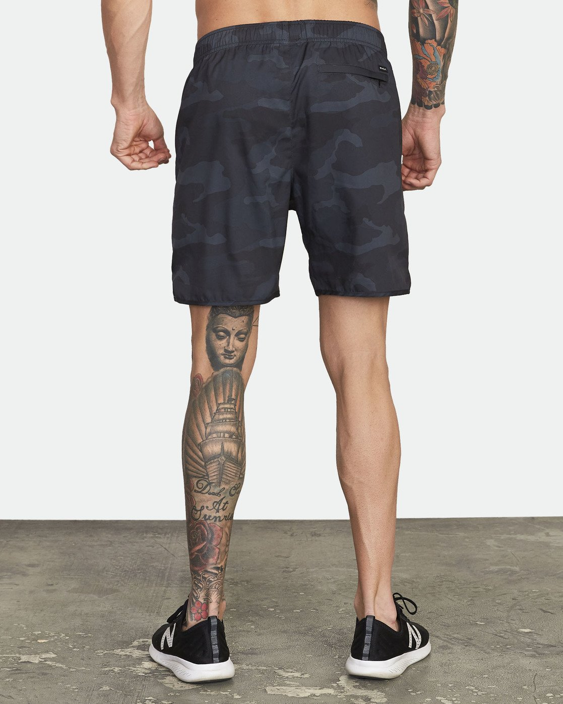 "2 Yogger IV 17"" - Workout Shorts for Men Camo W4WKMLRVP1 RVCA"