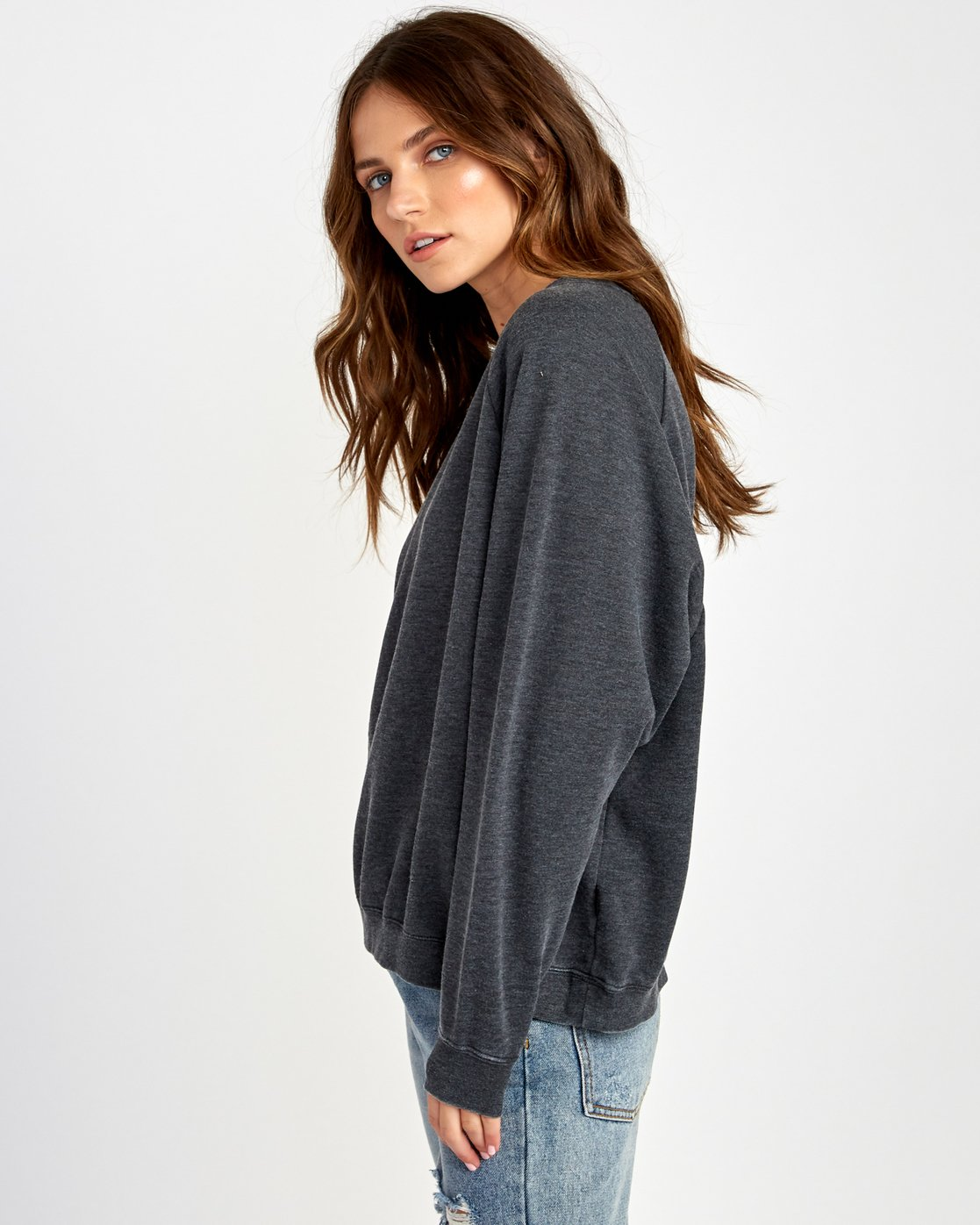 1 Everyday Label Sweatshirt Black W634VREV RVCA