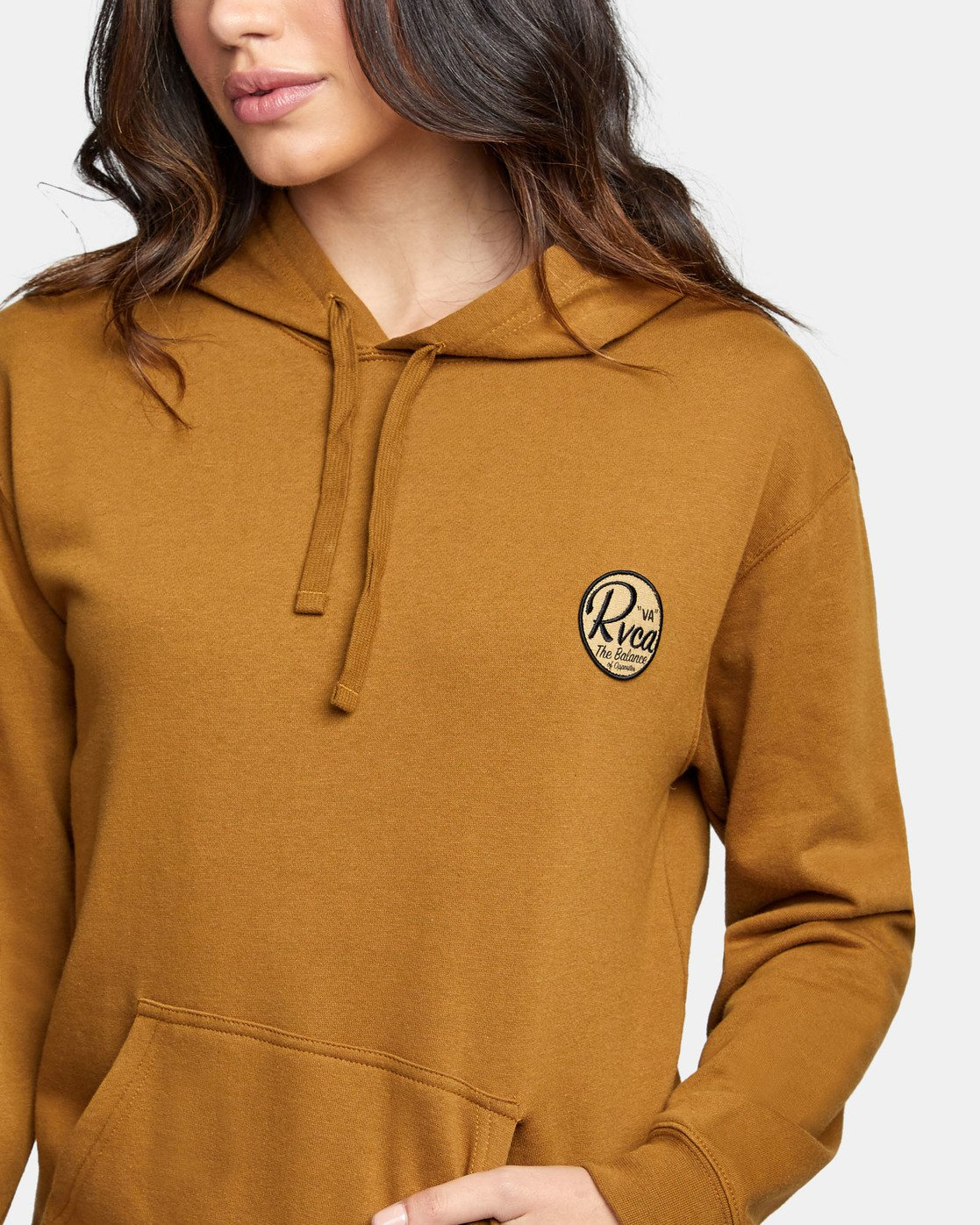 4 PATCH SEAL PO HOODIE Brown W6391RPS RVCA
