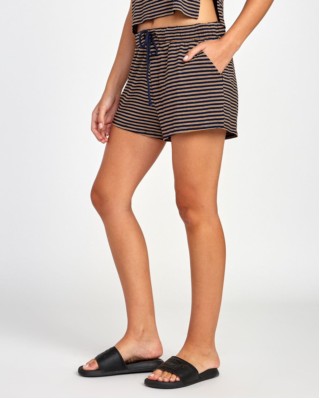 1 Rebound Knit Soft Short Brown WL02VRRE RVCA