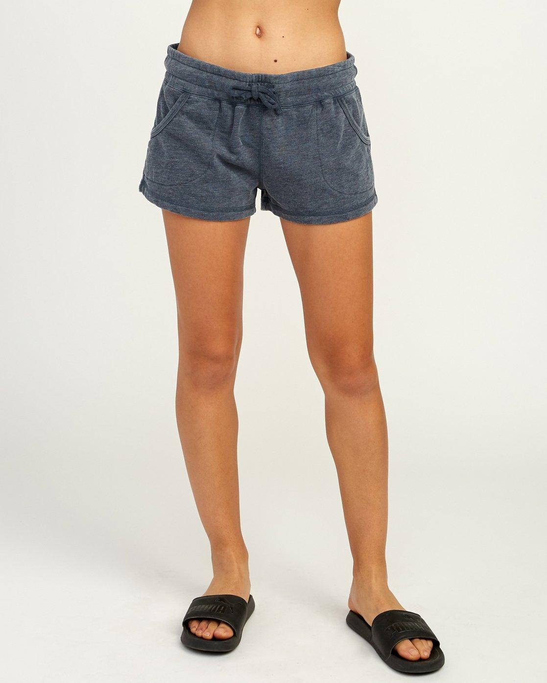 1 Ava Fleece Soft Short  WL08TRAS RVCA