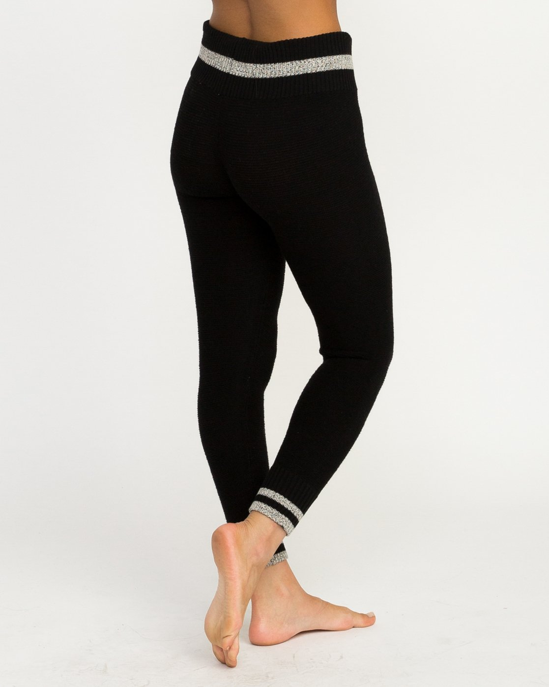 2 Loomed Knit Leggings Black WLL02LOM RVCA