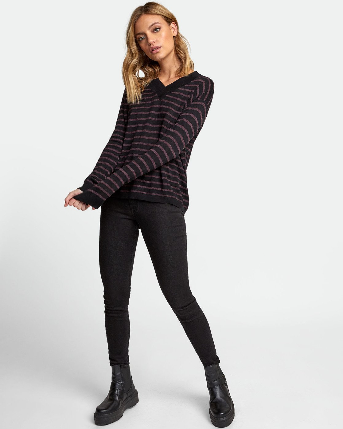 1 Abundant Lightweight Sweater Black WV01WRAB RVCA