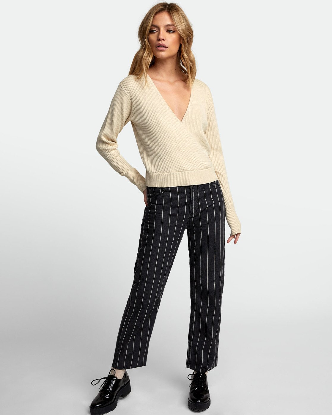1 Pointed Surplice Sweater Brown WV07WRPO RVCA