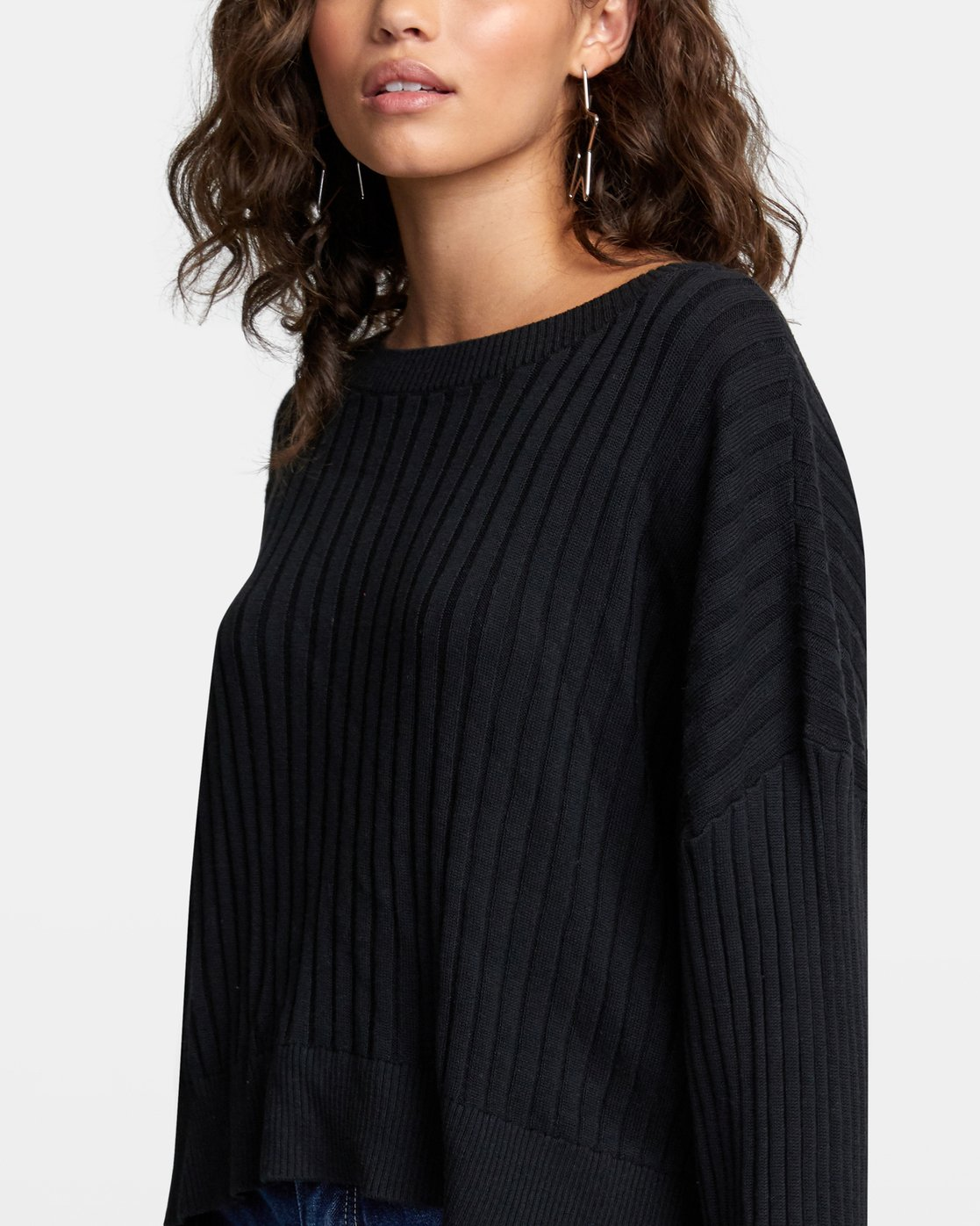 5 SYDNEY SWEATER Black WV093RSY RVCA