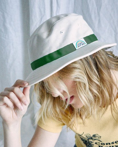 3 Camille Rowe | Camille Bucket Hat White AVJHA00115 RVCA