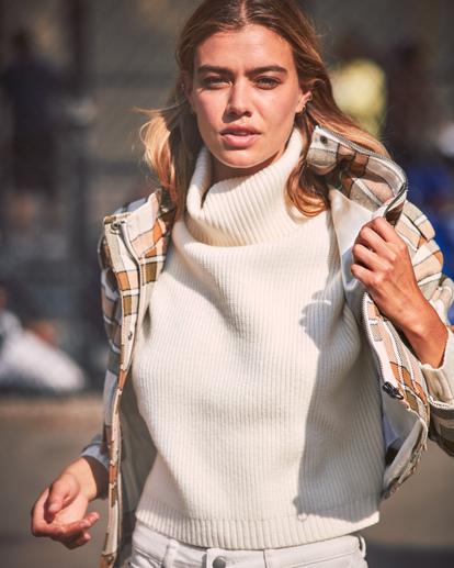 1 Citizen Turtleneck Sweater White AVJSW00124 RVCA