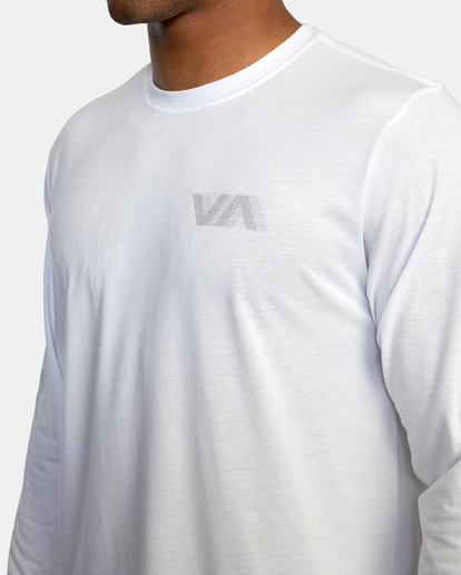 2 VA Sport   Big RVCA Speed Long Sleeve Workout Shirt White AVYZT00845 RVCA