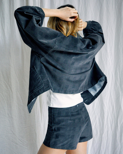 5 Camille Rowe   Bel Shirt Jacket Black R415433 RVCA