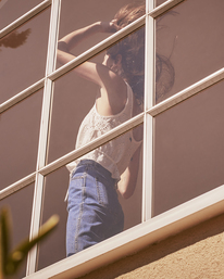 1 Camille Rowe | Mia Crop Top White AVJWT00144 RVCA