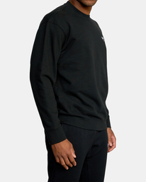 4 VA Essential Sweatshirt Black AVYFT00192 RVCA